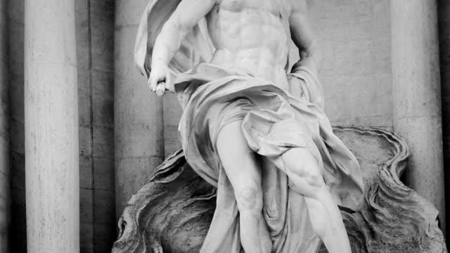 Statua di Nettuno in Fontana di Trevi in monocromatico