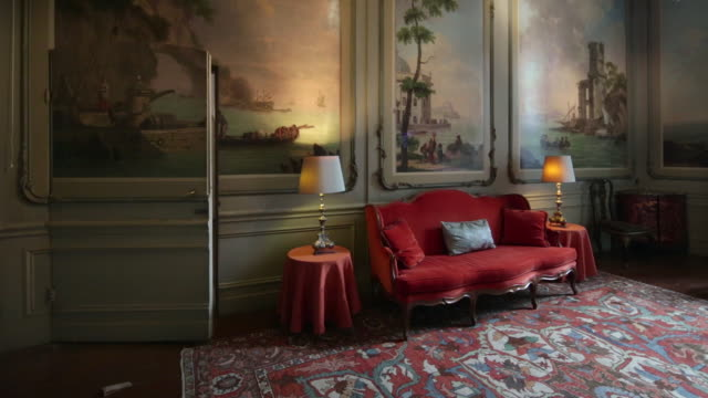 Netherlands, Amsterdam, Museum Van Loon, Canal House of the Amsterdam regent family Van Loon, co-founder of VOC in 1602, UNESCO World Heritage Site, The Drakensteyn Room with wall covering paintings on canvas