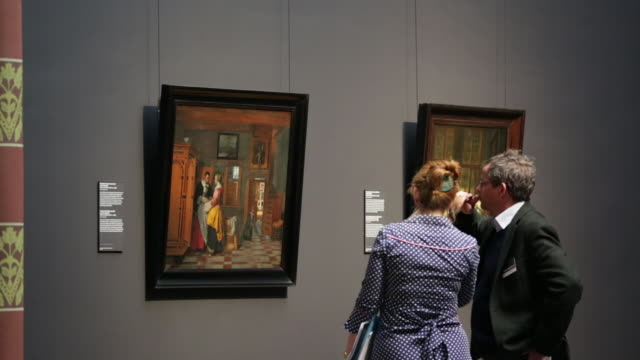 vidéos et rushes de netherlands, amsterdam, rijksmuseum or national museum, visitors - musée