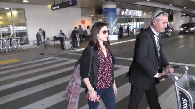 neve campbell arriving at lax airport in los angeles on march 07 2016 - neve campbell stock videos and b-roll footage