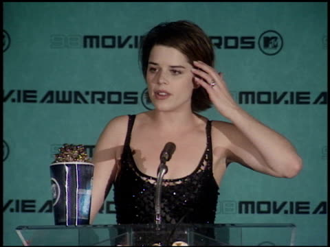 neve campbell at the 1998 mtv movie awards pool feed at barker hanger in santa monica california on may 30 1998 - neve campbell stock videos and b-roll footage