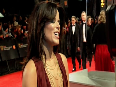 vídeos de stock e filmes b-roll de neve campbell at the orange british academy film awards 2011 at london england - neve campbell