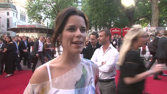 neve campbell on being a tarantino fan on what she'd do to get into his films and on what she's got coming up at the inglourious basterds uk premiere... - neve campbell stock videos and b-roll footage