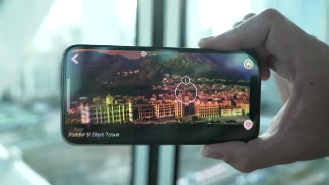 CHN: New AR app showcases Hong Kong's history from a Ferris wheel