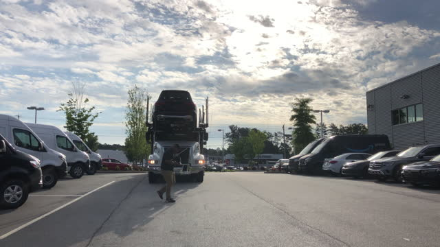 new cars delivered at mercedes-benz dealership in atlanta, georgia, usa amid the global coronavirus pandemic on june 01, 2021. - large group of objects stock videos & royalty-free footage