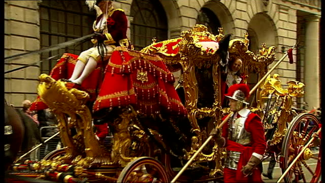 new city of london lord mayor alderman michael bear waving from ornate lord mayor's coach as along in parade hameley's representative along in parade... - steamroller stock videos and b-roll footage