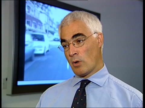 new computer driving test cs hand of darling operating mouse alistair darling mp interview sot nearly 1 in 5 new drivers will be in an accident... - driving test stock videos and b-roll footage