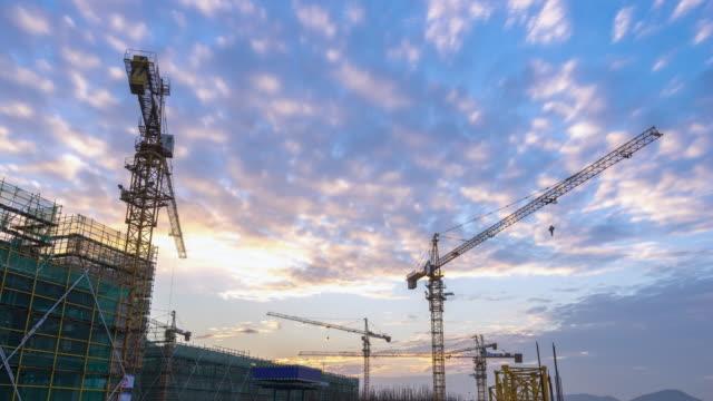 neue Baustelle in Hangzhou bei Sonnenuntergang timelapse