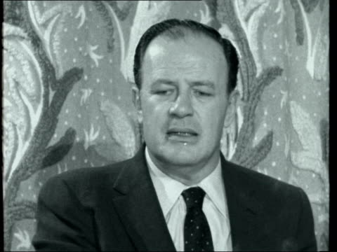new director for 'cleopatra' joseph l mankiewicz interview ***also london claridges hotel int joseph l mankiewicz interview sof pinewood studios... - cleopatra stock videos & royalty-free footage