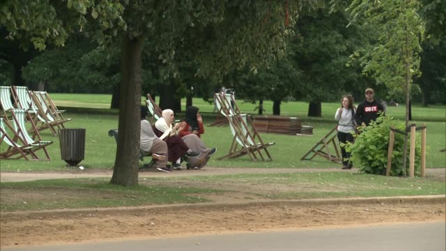 new exhibition tracing history of london's royal parks women on deck chairs in park joggers along - tracing stock videos & royalty-free footage
