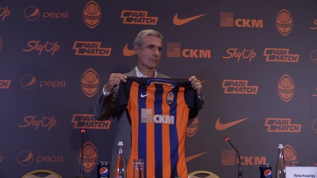 New FC Shakhtar Donetsk head coach Luis Castro poses with the FC team jersey during his presentation at a press conference in Kiev Ukraine on 21 June...