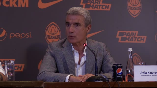 New FC Shakhtar Donetsk head coach Luis Castro speaks during his presentation at a press conference in Kiev Ukraine on 21 June 2019 57 yearold Luis...