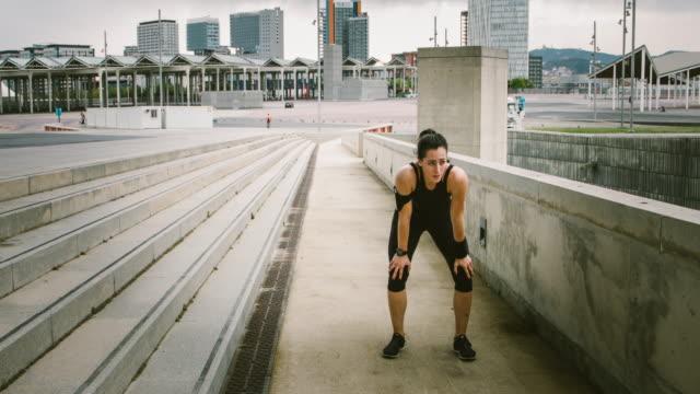 new fitness goal - resting点の映像素材/bロール
