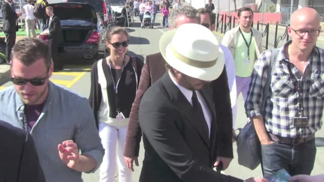 new flavor of the month star james franco walked on the port with a great stylish hat and costume seemed very amused cannes cannes france may 21st... - kopfbedeckung stock-videos und b-roll-filmmaterial