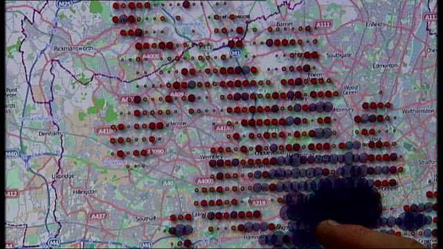 new iphones track users movements; england: london: various shots of reporter using iphone tracker technology on computer to show map of his recent... - l'uomo e la macchina video stock e b–roll