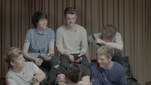 stockvideo's en b-roll-footage met new irish boyband 'hometown' interview hometown interview sot - jongensband