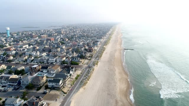 stockvideo's en b-roll-footage met new jersey kust vroeg in de ochtend mist - new jersey