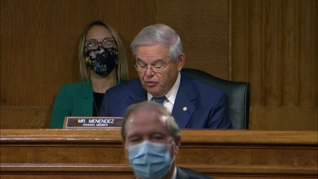 new jersey senator bob menendez says at a senate foreign relations committee hearing with secretary of state mike pompeo that there was bipartisan... - 追放点の映像素材/bロール