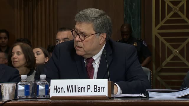 stockvideo's en b-roll-footage met new jersey senator cory booker asks attorney general william barr at a senate judiciary committee hearing on the report of special counsel robert... - procureur generaal