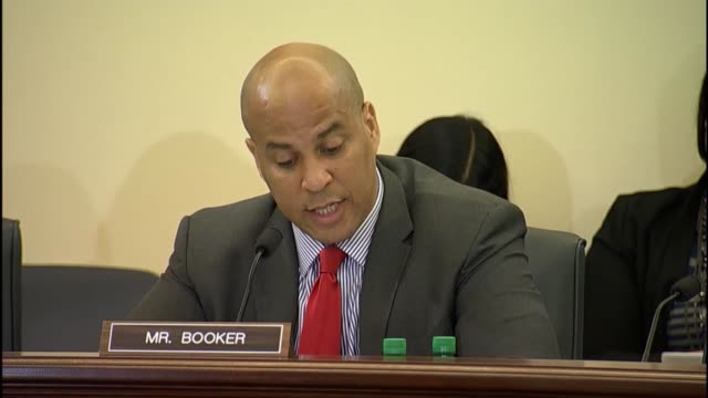 New Jersey Senator Cory Booker cites litany of new safety applications for vehicular technology