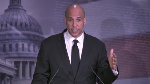 new jersey senator cory booker tells reporters at a weekly press conference after days of protests and rioting related to the death of minneapolis... - social justice concept 個影片檔及 b 捲影像