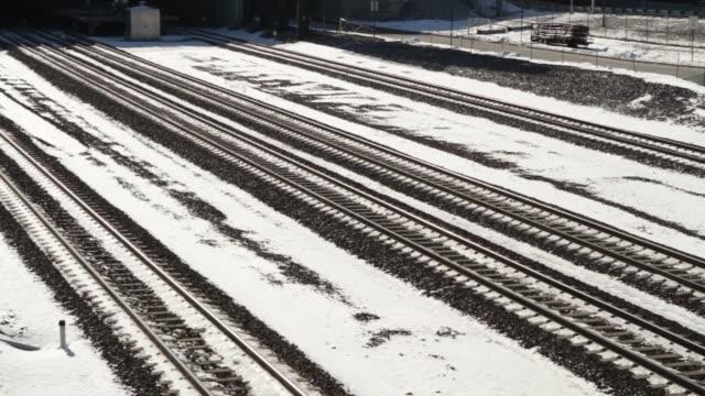 new jersey transit - trains and railroad tracks - 水の形態点の映像素材/bロール