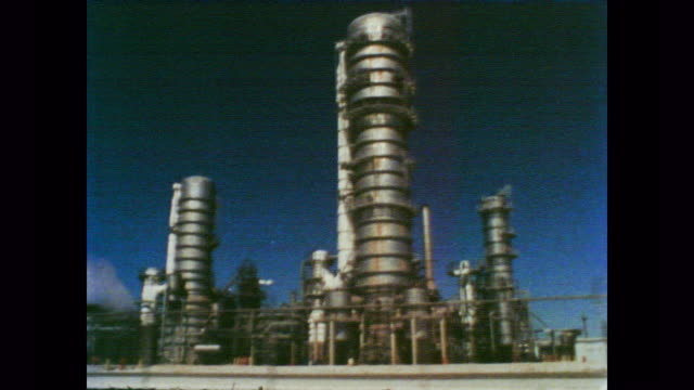 stockvideo's en b-roll-footage met 1978 new jersey's cancer alley of chemical plants - documentairebeeld