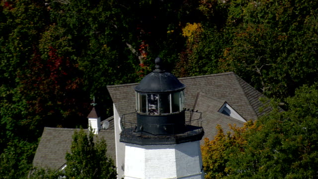 new london harbour light  - aerial view - connecticut,  new london county,  united states - new london county connecticut stock videos & royalty-free footage