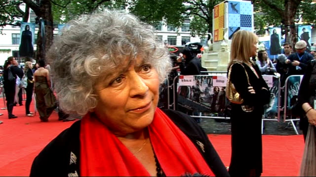 new movie 'harry potter and the halfblood prince' premieres in leicester square red carpet interviews miriam margoyles interview sot humbling... - miriam margolyes stock videos and b-roll footage