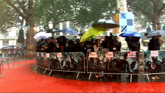 New movie 'Harry Potter and the HalfBlood Prince' premieres in Leicester Square red carpet interviews ENGLAND London Leicester Square People waiting...