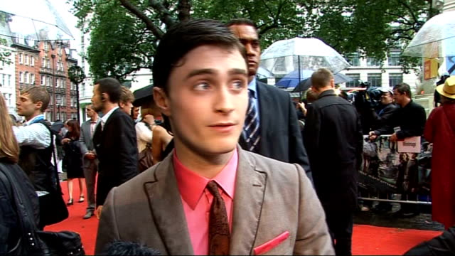 new movie 'harry potter and the halfblood prince' premieres in leicester square red carpet interviews daniel radcliffe interview sot on the bad... - potter stock videos & royalty-free footage