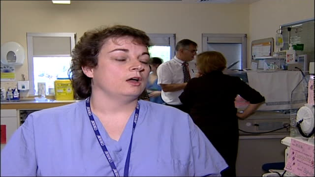 vidéos et rushes de new nhs computer system to help treat newborn babies joanne woodhouse interview sot on how procedure for sick neonates will change with new it system - bébé de 0 à 6 mois