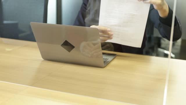 新しいノーマルカウンター - 窓口点の映像素材/bロール