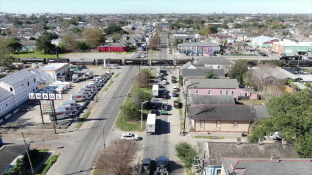 new orelans, u.s. - drone view along traffic jam at st claude avenue, on tuesday, january 14, 2020. - level crossing stock videos & royalty-free footage
