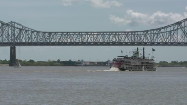 WGNO New Orleans Mississippi River Paddleboat Natchez Passes Crescent City Bridgeon April 11 2017