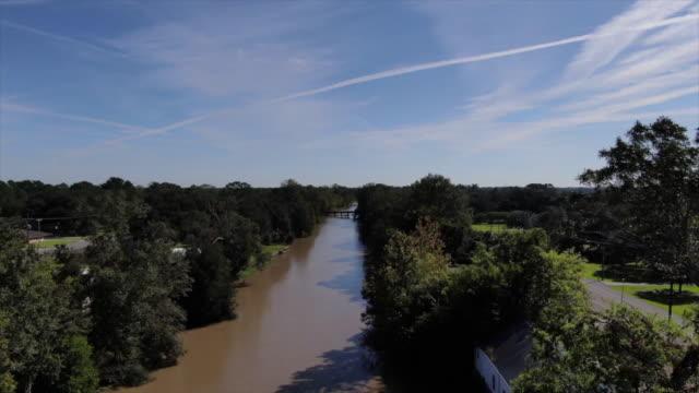 wgno new orleans la us drone view along bayou lafourche originally called chetimachas river or la fourche des chetimaches on thursday january 23 2020 - bayou lafourche stock-videos und b-roll-filmmaterial