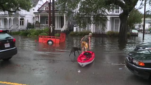 vidéos et rushes de new orleans, u.s., - flooded streets on wednesday, june 10, 2019. - la nouvelle orléans
