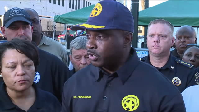 new orleans, u.s. - mayor latoya cantrell and fire chief timothy mcconnell speaking after hard rock hotel collapse, on sunday, october 13, 2019. - ハードロックカフェ点の映像素材/bロール