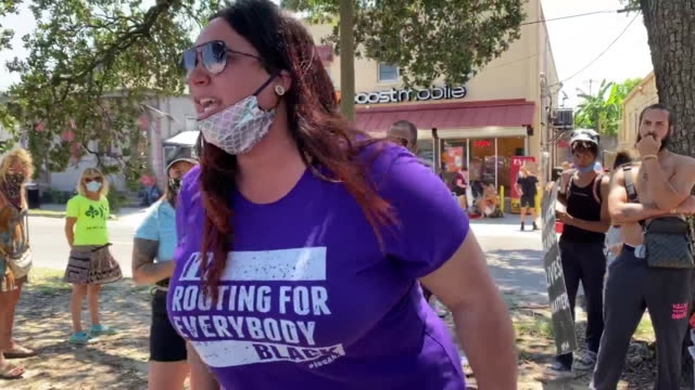 vidéos et rushes de new orleans, u.s. - people arguing on street during black trans lives matter protest in new orleans, on wednesday, june 17, 2020. - louisiane