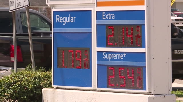 new orleans, u.s. - signs with gas prices in new orleans, on tuesday, september 1, 2020. - ガス料金点の映像素材/bロール