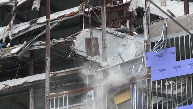 new orleans, u.s. - wrecking ball destroying remnants of wall on site of collapsed hard rock hotel building, on wednesday, july 22, 2020. - new orleans stock videos & royalty-free footage