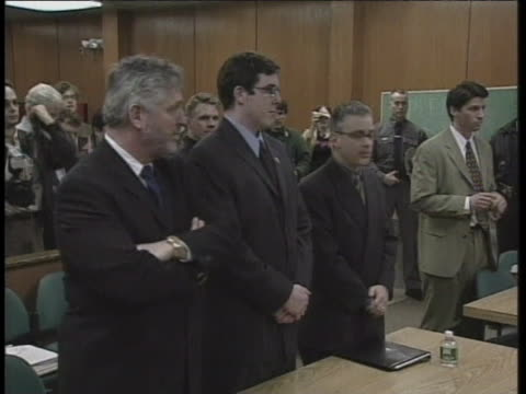 vidéos et rushes de new paltz mayor jason west pleads not guilty before town justice jonathan katz to charges of solemnizing 19 marriages without licenses. - comté d'ulster