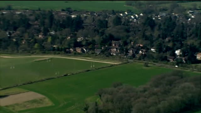 new planning rules set out by government; berkshire: newbury: air view countryside surrounding newbury - newbury inghilterra video stock e b–roll