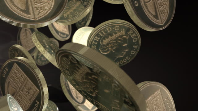 new pound coins - economics, inflation, deflation, fiat currency, winning, jackpots, wealth, finance, fortune - grande gruppo di oggetti video stock e b–roll
