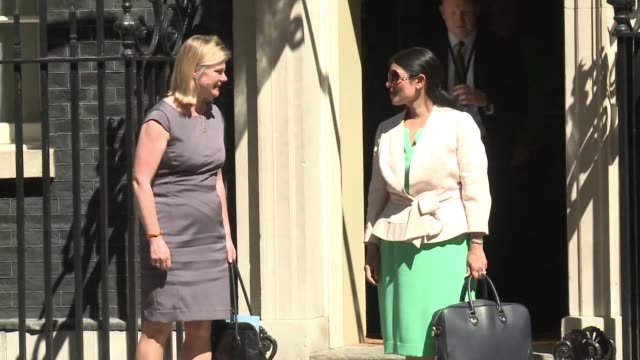 stockvideo's en b-roll-footage met new prime minister theresa may held her first cabinet meeting - prime minister