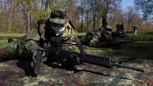 new recruits of the bundeswehr's volunteer defense service train with g36 assault rifles on april 27, 2021 in berlin, germany. officially called the... - military recruit stock videos & royalty-free footage