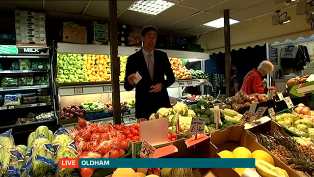 New research backs fiveaday target for fruit and vegetables ENGLAND Oldfield Tommyfield Market Ian Marber interview SOT Oldfield Tommyfield Market...