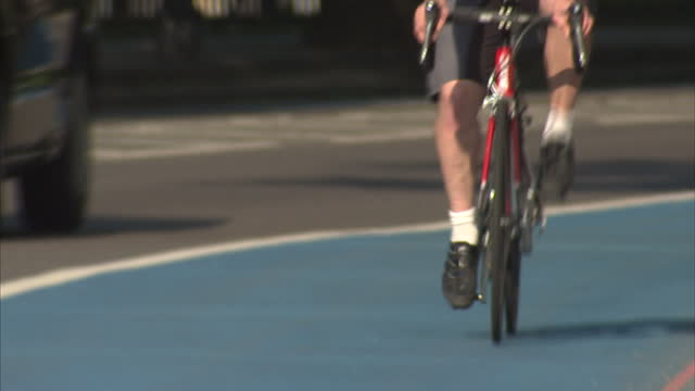 a new scheme is being launched to stop cyclists being killed or seriously injured on our roads the safer lorry scheme aims to make cyclists more... - tom green stock-videos und b-roll-filmmaterial