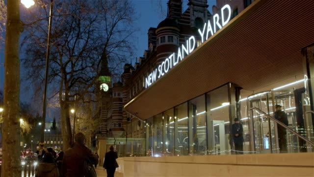 new scotland yard - ニュースコットランドヤード点の映像素材/bロール