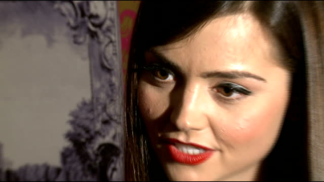 interviews; england: london: int jenna-louise coleman interview sot - ドクター フー点の映像素材/bロール